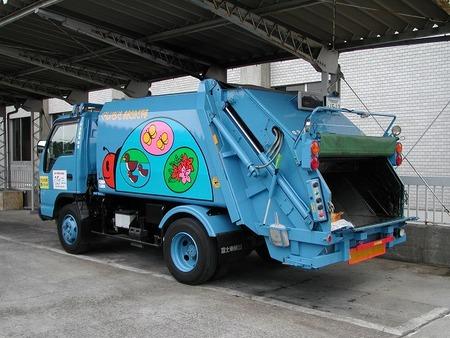 ゴミ収集のバイト儲かりすぎわろたwwwwwwwwww
