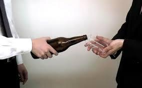 「飲み会は仕事より大切だからちゃんと出ろよ」 → ゆとり新卒「仕事が忙しくてムリです」