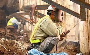 外国人労働者受け入れ拡大へ!!来年春をめどに受け入れ拡大措置を実施!