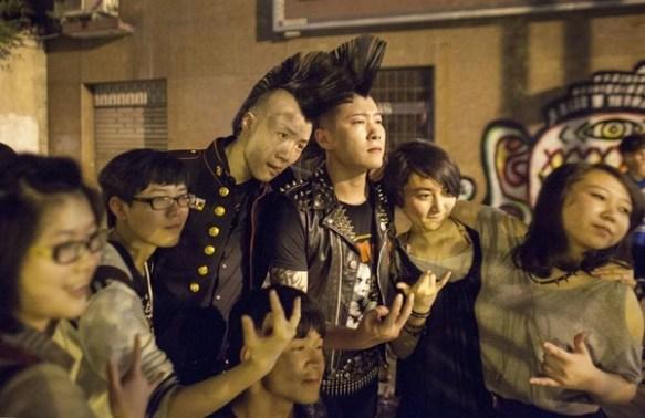 【音楽】中国的モヒカン刈り パンクバンド地獄城市