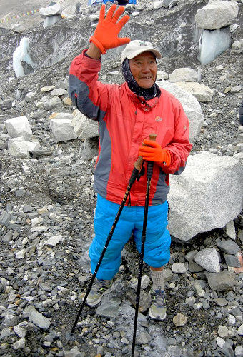 【ネパール】81歳もエベレスト挑む ネパール人男性、来週登頂へ