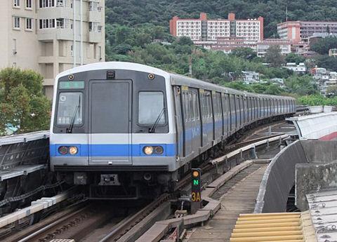 【台湾速報】台北のMRTと競争してみた  台湾の反応「熱血ww」「駅次第だな」「次も応援してる」