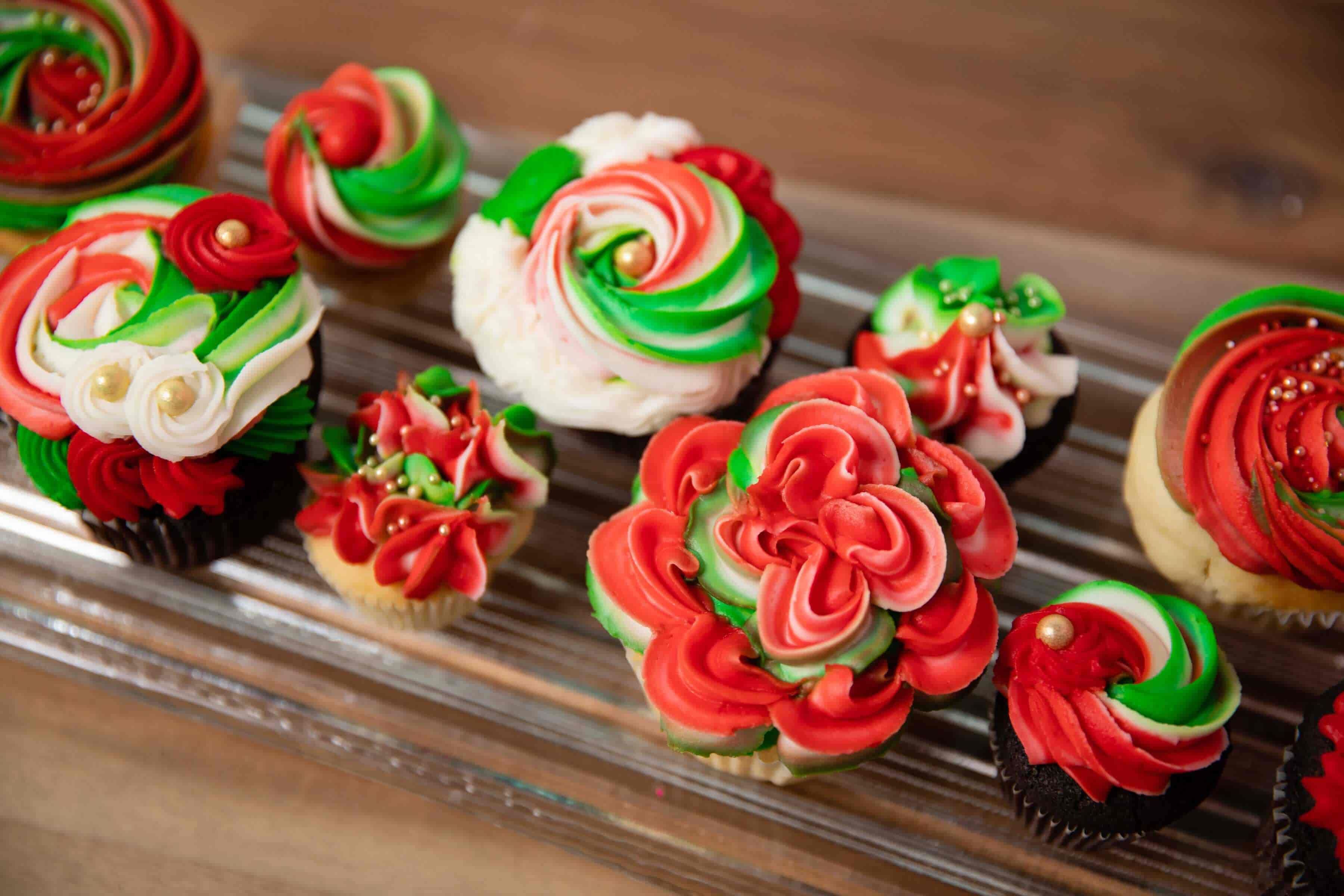 Delicious And Tasty Christmas Cupcake Decoration Ideas Live Enhanced