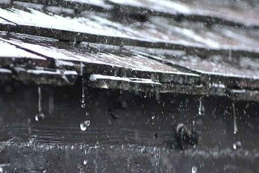 Listen-to-a-Poem-Seamus-Heaney-The-Rain-Stick-Rain-on-Roof