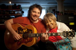 Mavis_Staples_with_Jeff_Tweedy_Newberry