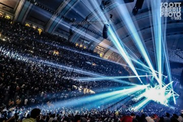 Scott_Harris_Phish_2013.11.01_1024px_15