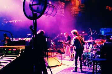 Mike Gordon sitting in with Ratdog, 2/24/14 (Photo by Julia Mordaunt)