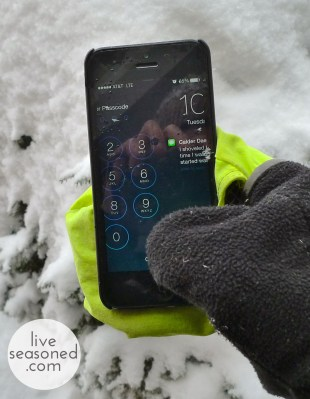 liveseasoned_spring2014_touchscreenglove_phone1a_wm