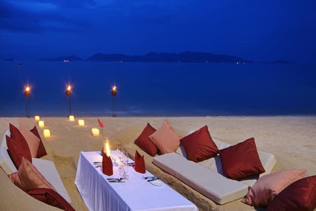 Ban Tai Beach, dining