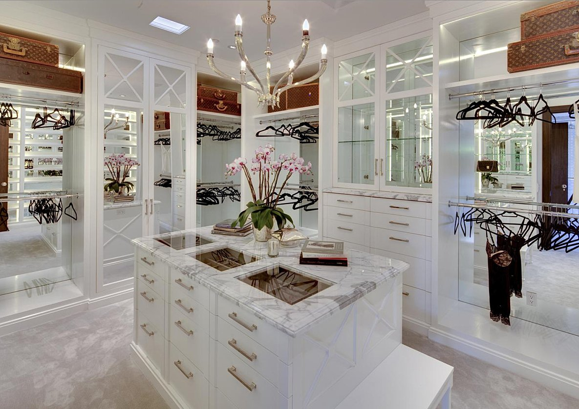 Closet Island Luxury Walk-in Closets