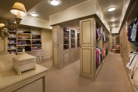 Luxury Walk-in Closets