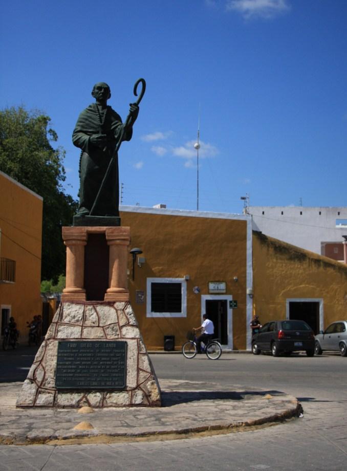 Diego de Landa statue