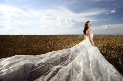 5 ways to save on a wedding dress