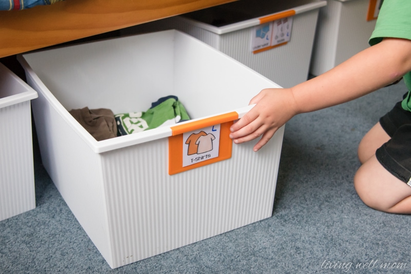 The Easy Way to Organize Kids\u0027 Clothes with Free Printable Labels