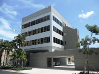 New Listing! Commercial building in Upscale Business ...