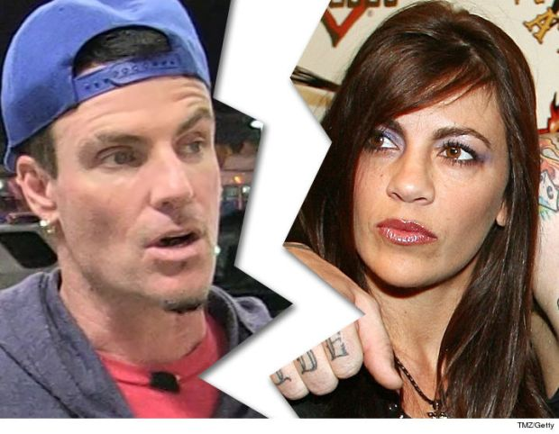 1019-vanilla-ice-laura-giaritta-tmz-getty-01