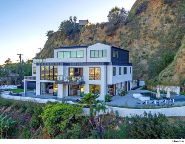 0131-demi-lovatos-house-zillow-01