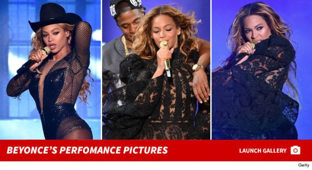 0203-beyonce-performance-pictures-small-footer-2