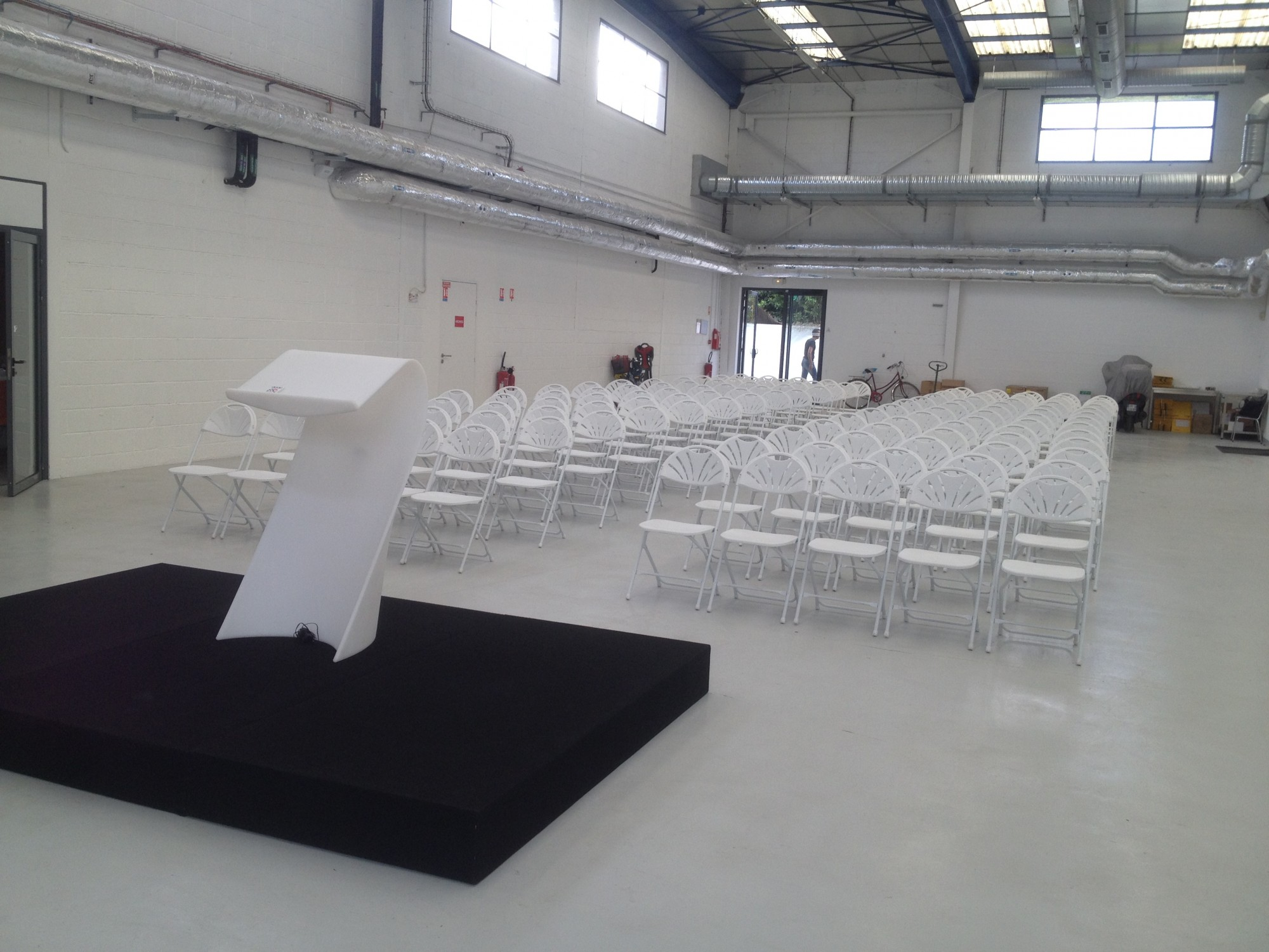 Location Chaises Reception Location De Chaise Pliante Blanche Location Mobilier De