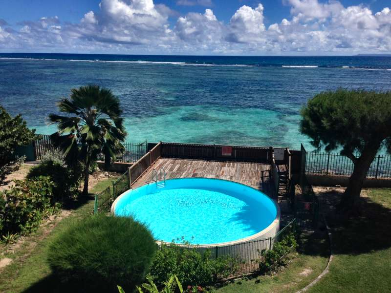 Barriere Terrasse Location Guadeloupe Appartement Plage Sainte-anne