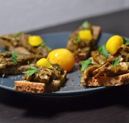 Toast aux cèpes, jaune d'oeuf cuit à froid
