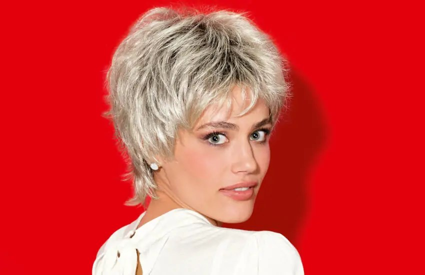 Perücke Blond Braun Frisurentrends 2019 Wellen Pony Bob Und Pixie Cut