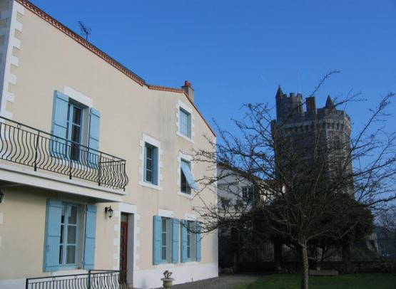 Chambre D 39 Hotes Au Pied De La Tour Bed And Breakfasts Unclassified In Oudon The Loire Valley