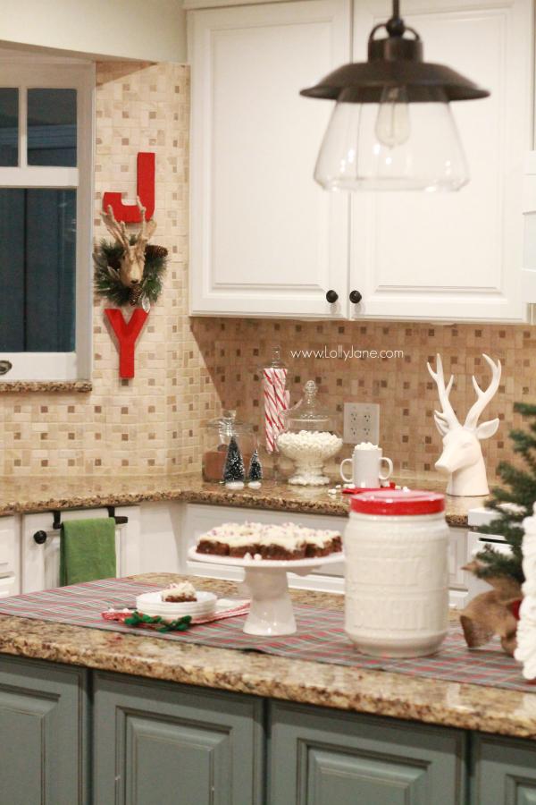 easy Christmas kitchen decor ideas - christmas kitchen decor
