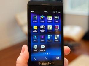 Duh, Harga BlackBerry Z10 Kini Terjun Bebas