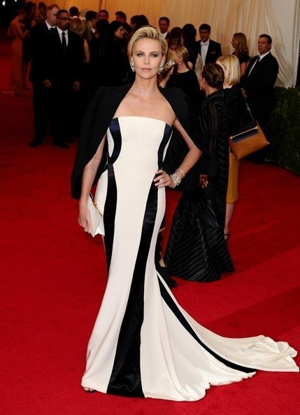 Charlize+Theron+Red+Carpet+Arrivals+Met+Gala+4RJvSs3PcOml