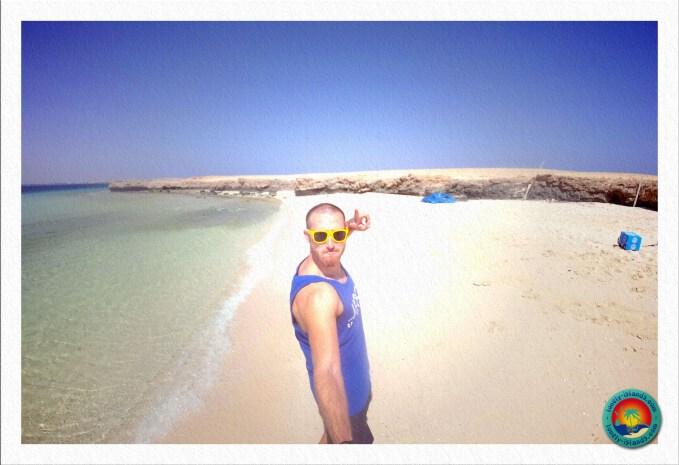 Clean-Up Day - Selfie am Traumstrand von Magawish Island