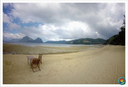 Marimegmeg Beach bei Ebbe in El Nido
