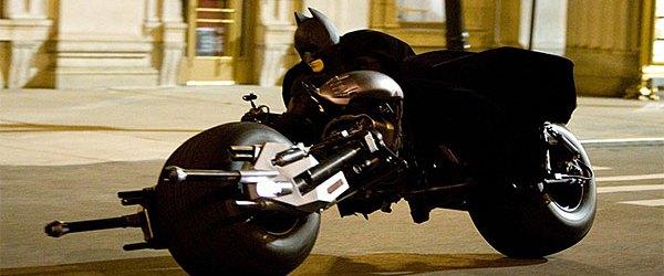 'Dark Knight' Still Number One, Closing in on 'Star Wars'