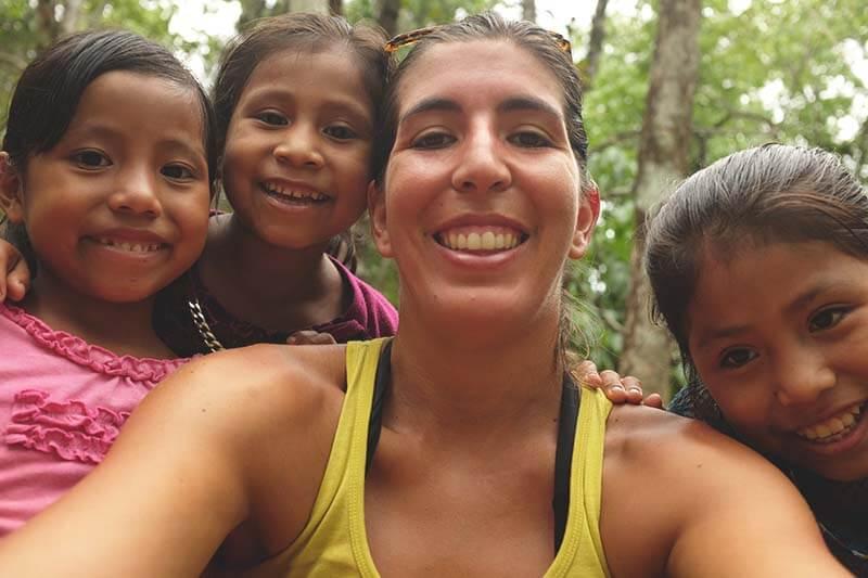 semuc7-2 guatemala looking around