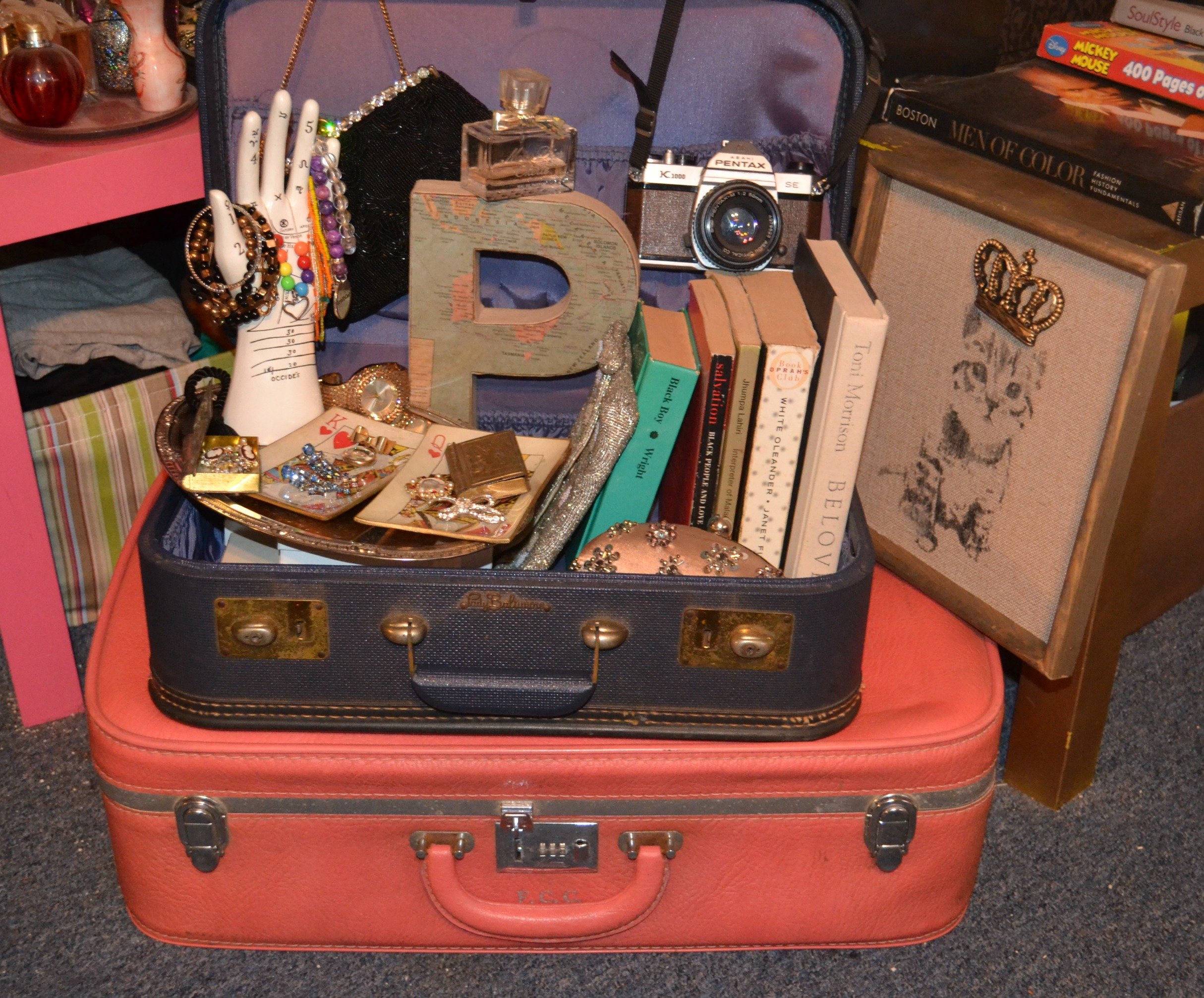 Vintage Decorative Suitcases Diy Home Storage On A Budget Looking Fly On A Dime