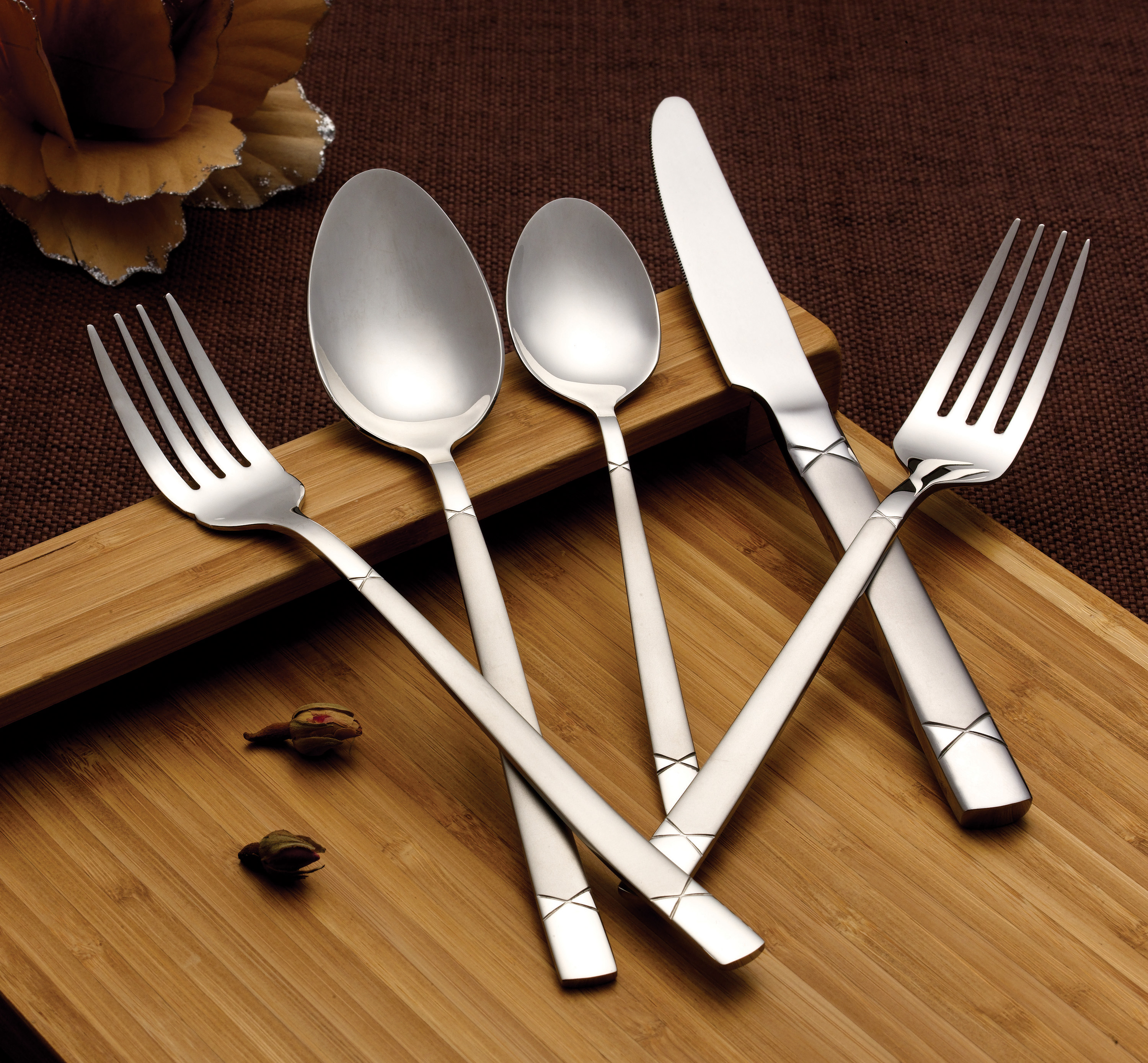 18 10 Silverware Sets 20 Piece 18 10 Flatware Set Service For Mirror And Satin