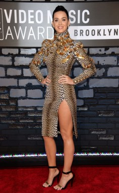 Katy Perry in Emanuel Ungaro