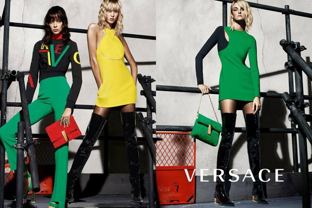 Versace-Fall-Winter-2015-Mert-Marcus-02-620x414