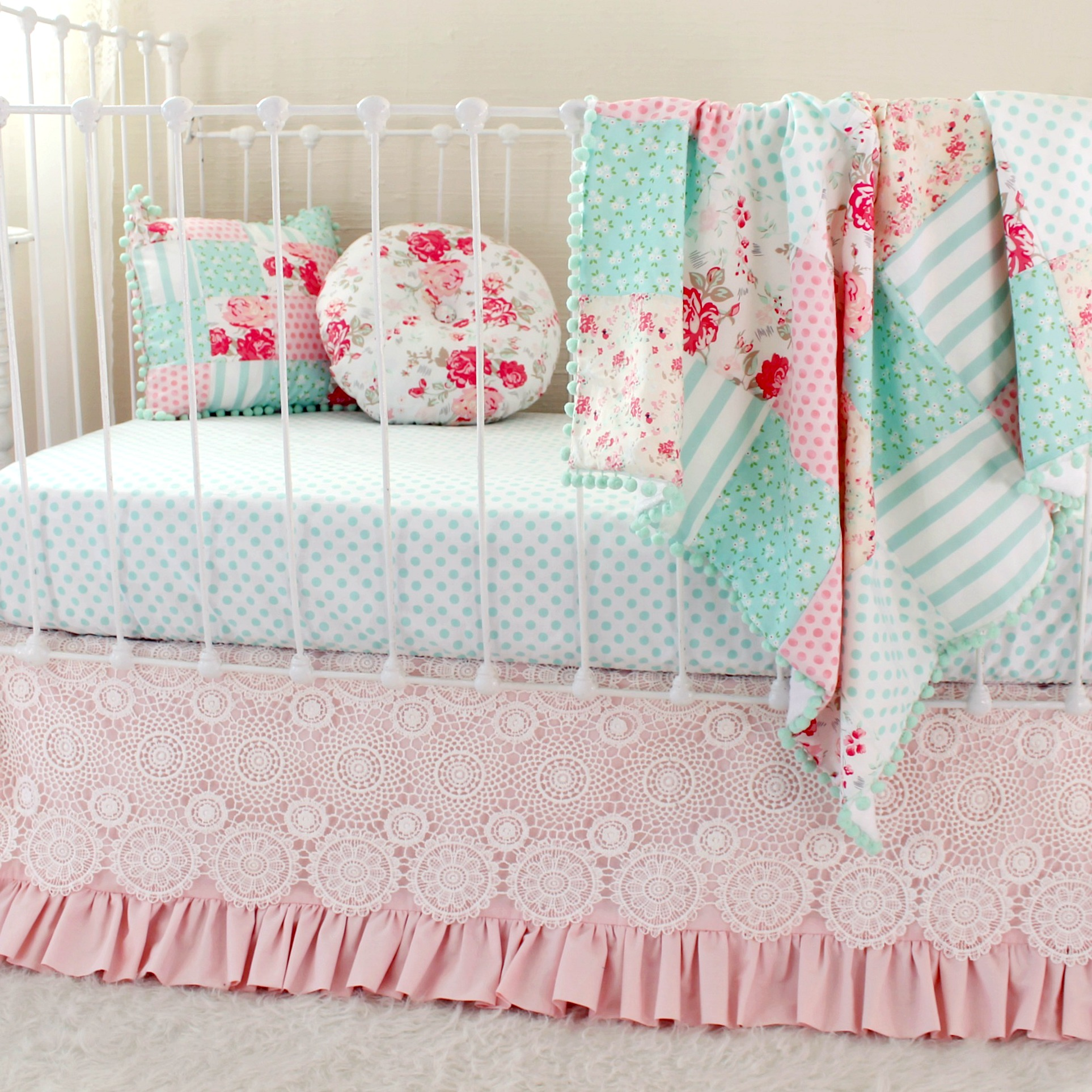 Shabby Chic Vintage Nursery Vintage Chic Pink Bumperless Set
