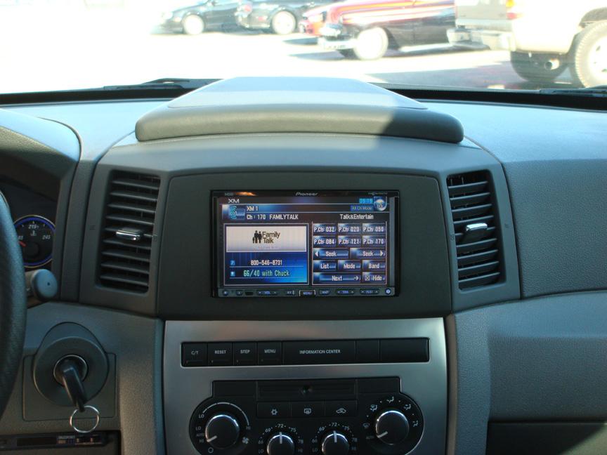 Jeep Grand Cherokee SRT8 - Lotts Auto Stereo