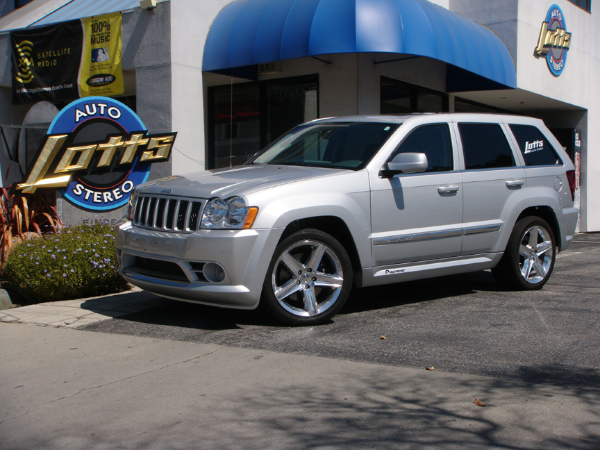 Jeep Grand Cherokee SRT8 - Lotts Auto Stereo