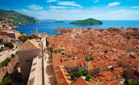 credits. Dubrovnik by serrnovik/can stock photo