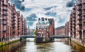 credits. Hamburg by Jakobradlgruber/123rf