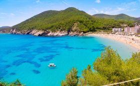 credits: Ibiza by Sant Vicent/ tono balaguer/123rf