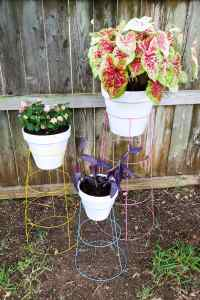 DIY Tomato Cage Plant Stands | Love & Renovations