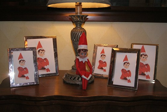 Elf on the Shelf Ideas - Elf Replace Photos with Family Portraits