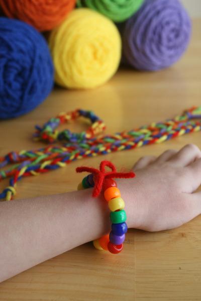 St. Patrick's Day Craft: Rainbow Friendship Bracelets
