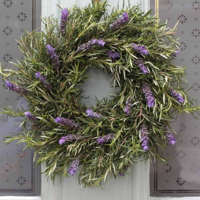 15 Christmas Wreath Ideas - Rosemary and Lavender Wreath