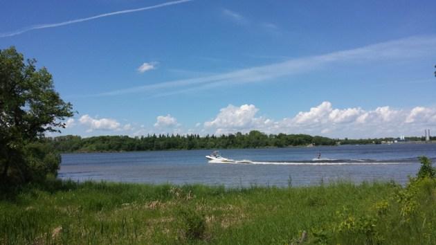 Minnevasta Lake Trail - summer time