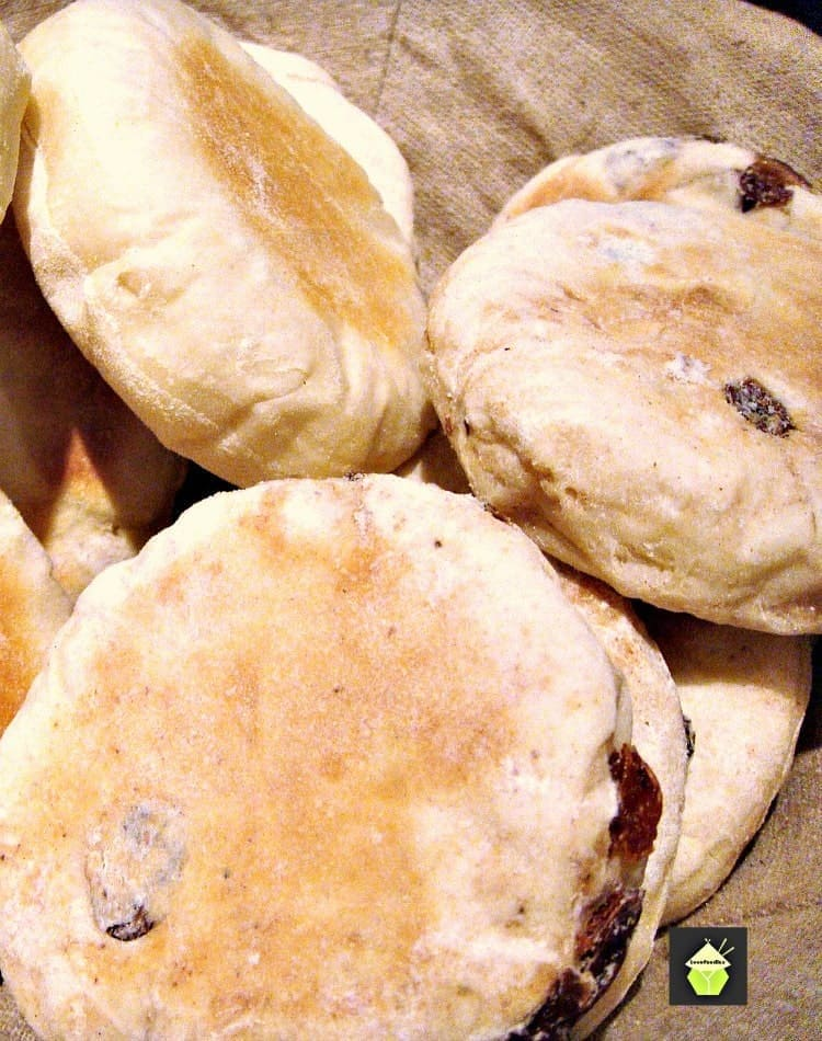 "<div style=""display: none;""><img src=""http://lovefoodies.com/wp-content/uploads/2015/07/Cinnamon-Raisin-English-Muffins-PTL2.jpg"" alt=""Cinnamon & Raisin English Muffins - Delicious opened and served warm with a nice spread of butter on each half! Easy stove top recipe.""</div>"